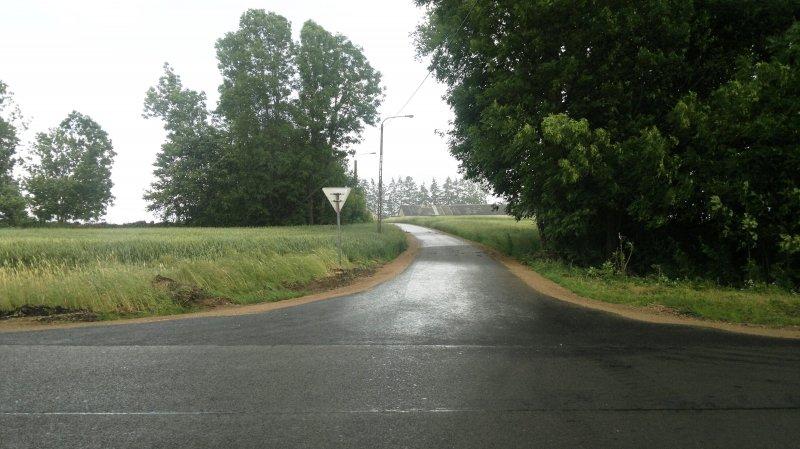 Stara Chmielówka. Asfaltowanie dróg gminnych