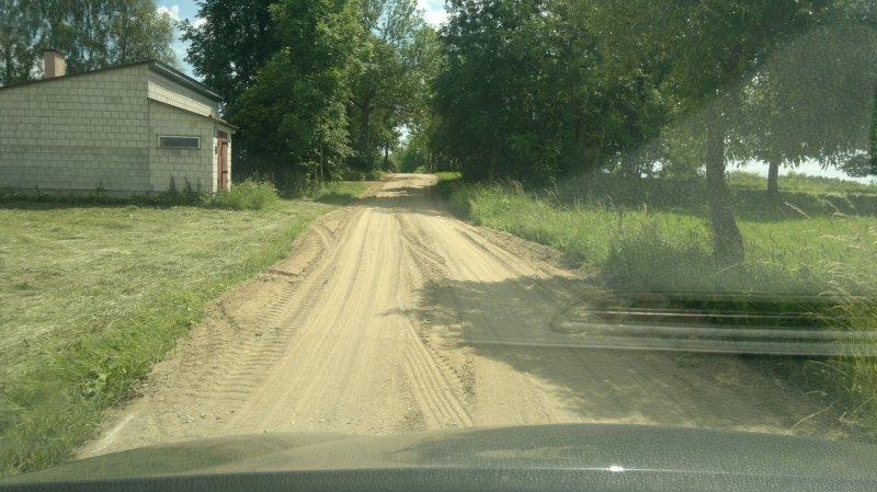 Zdręby. Żwirowanie dróg gminnych