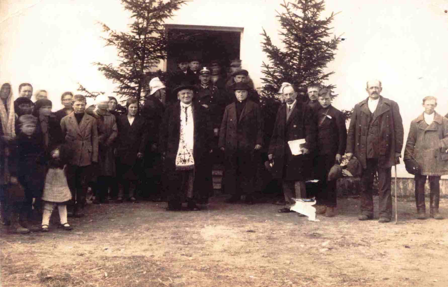 - bakalarzewoposwiecenie_szkoly_1927.jpg